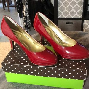 Kelly & Katie red pumps size 9.5.